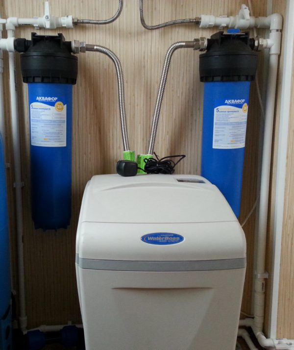 Умягчитель и обезжелезиватель воды Waterboss 900 на 2.5 м3/ч.
